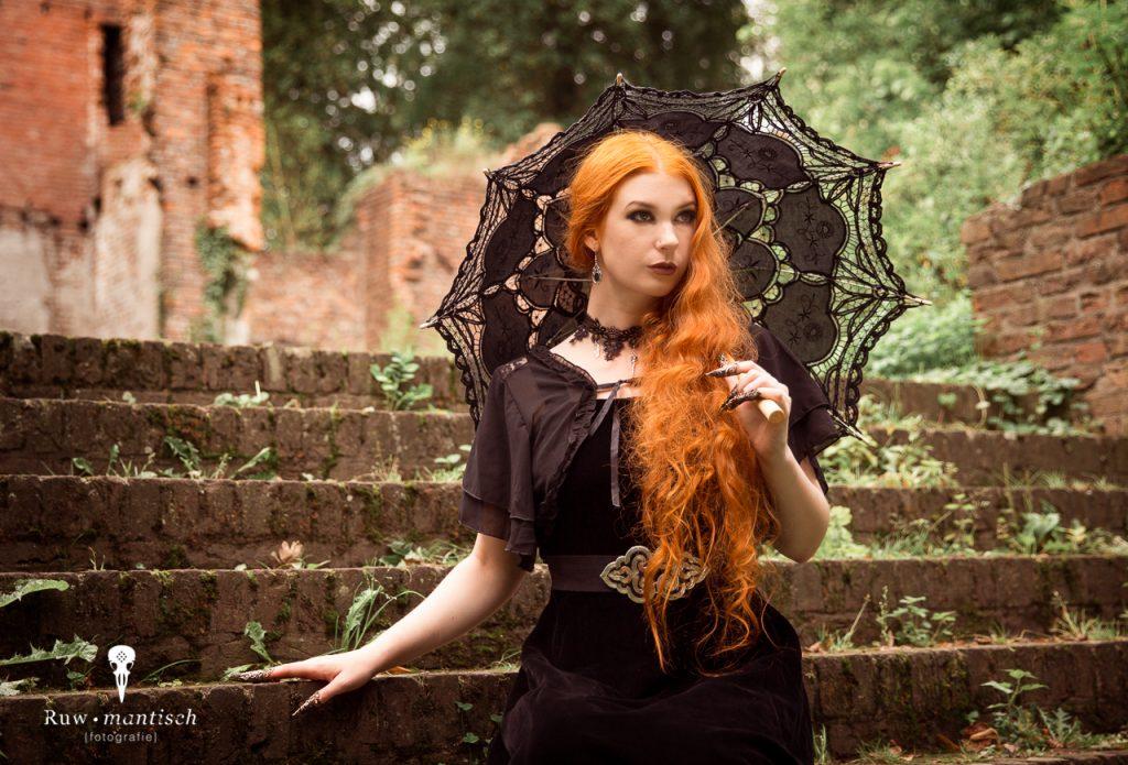 Fotoshoot ruwmantisch bunny glittergun shoot fotografie urbex portret fantasy ruine gothic fantasy gorinchem woudrichem.jpg