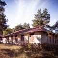 Ruwmantisch urbex verval vervallen urban decay exploration fotograaf photographer dutch nederlands professioneel portretten fotografie oude leegstaande gebouwen kerk kazerne