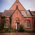 Ruwmantisch urbex verval vervallen urban decay exploration fotograaf photographer dutch nederlands professioneel portretten fotografie oude leegstaande kerk vergane glorie