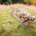 verlaten ruw rauw urbex vervallen www.ruwmantisch.nl ruwmantisch portret portretten portretfoto's fotografie fotosessie fotoshoot huis landhuis tuin boot