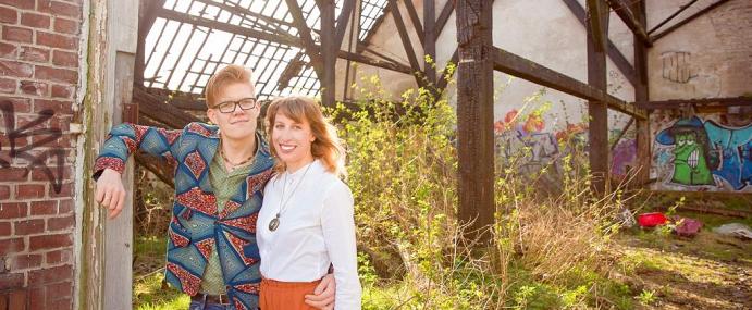 Romantische fotoshoot in een vervallen boerderij | Behind the scenes