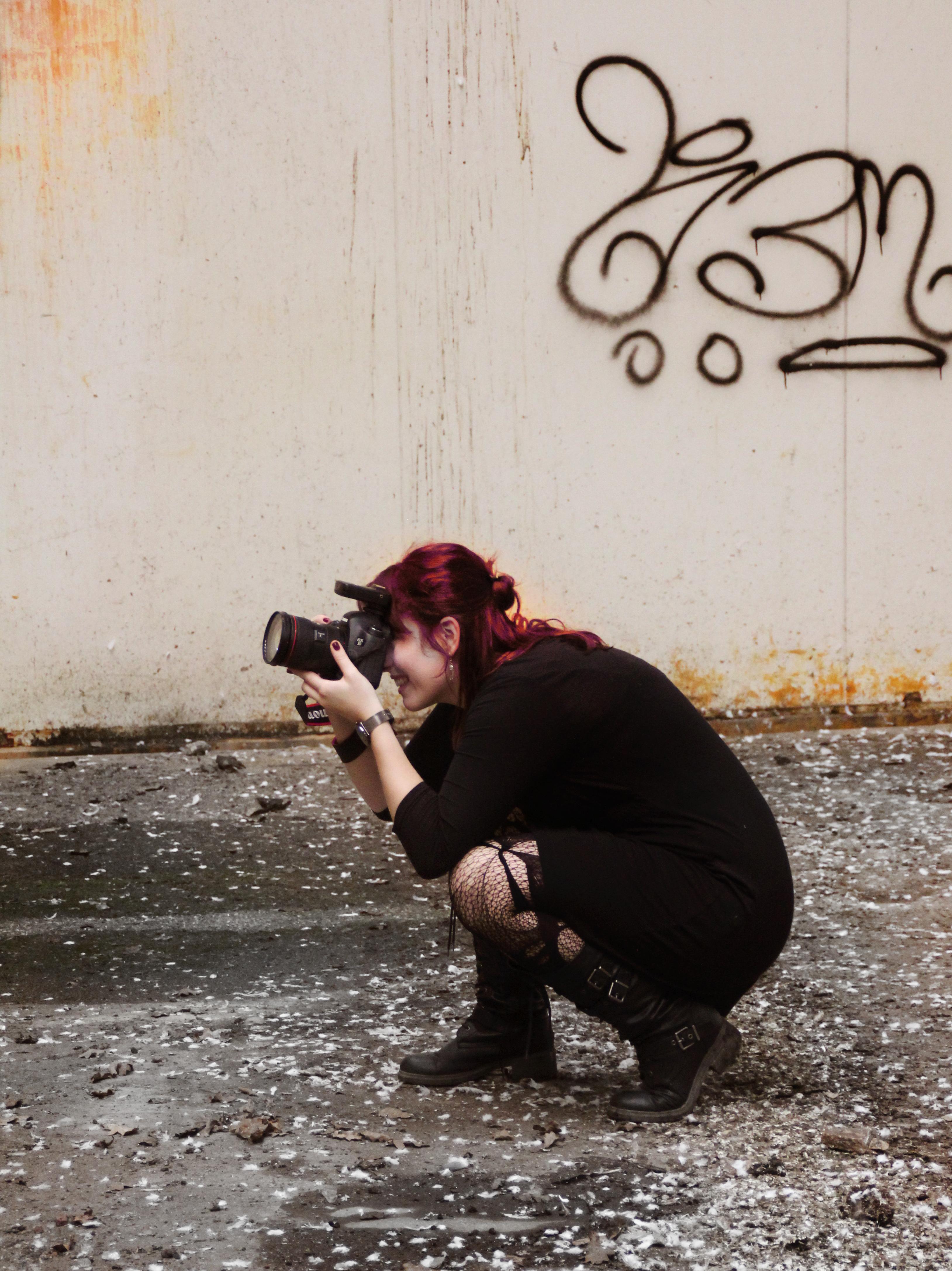fotoreportage-portretten-Fotograaf-urbex-loods-industrieel-gezocht-laten-maken-binnenlocatie-aparte-bijzondere-boudoir-lingerie-Ruwmantisch-Rawmantic-breda-randstad-utrecht