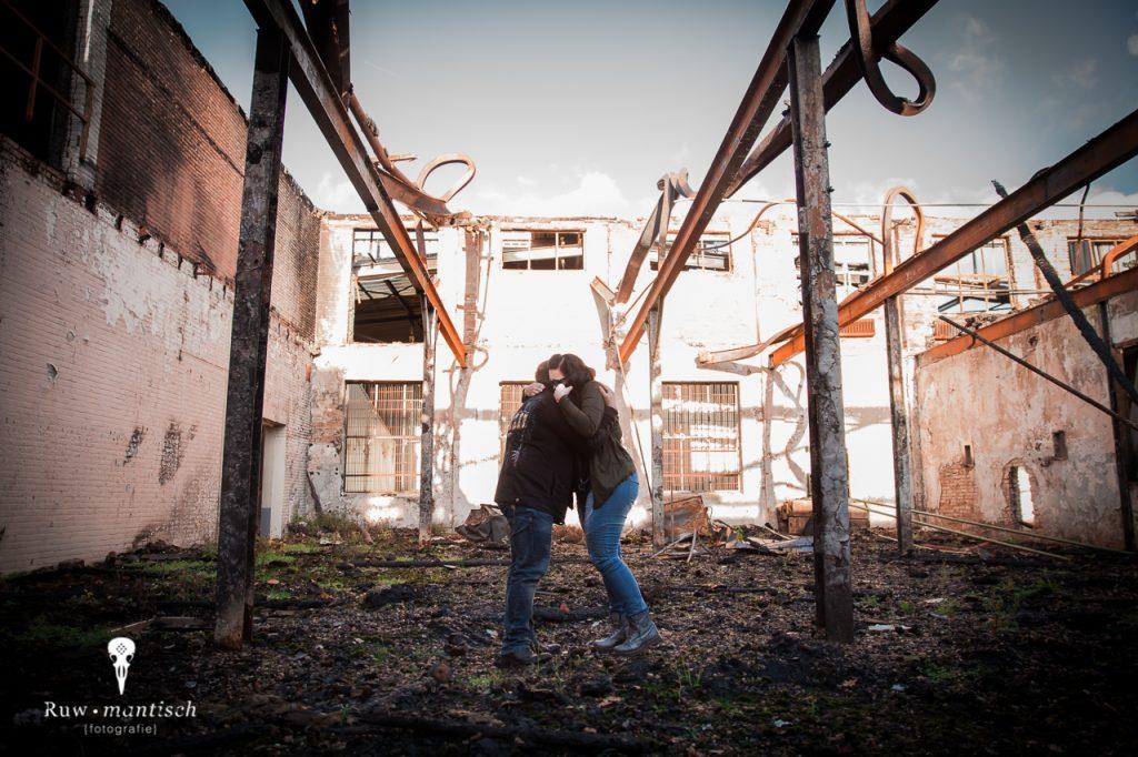 Ruwmantisch fotografie fotoshoot stedelijk industriele locatie fotolocatie vriendin ten huwelijk vragen aanzoek Dordrecht Zoetermeer Bergschenhoek
